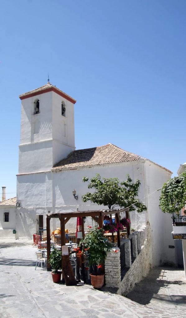Exterior de la iglesia parroquial de Nuestra Señora de la Cabeza, Capileira. Fotografía: Antonia Ortega Urbano